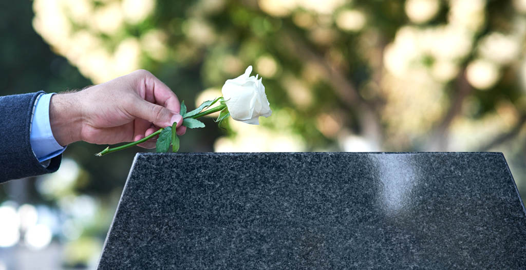 How to Make Funeral Plans on a Budget - Funeralocity